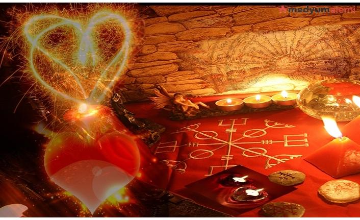 Adet Kanı İle Aşk Büyüsü Nasıl Yapılır? İşte Yapılışı