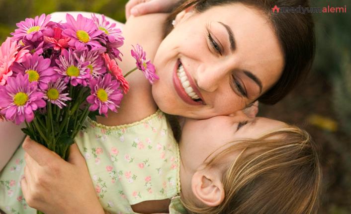 Rüyada Anne görmek ne demek? İslami ve Dini Anlamı
