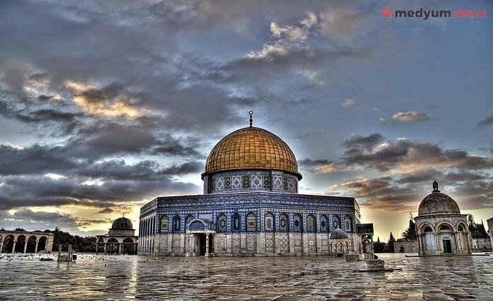 Rüyada Namaz Kılmak ne demek? İslami ve Dini Anlamı