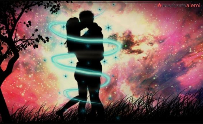 Birini Kendine Aşk İle Bağlamak İçin Ne Yapmalı?