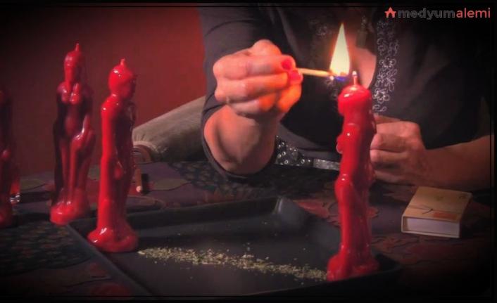 Kırmızı Mum Büyüsü Nasıl Yapılır?